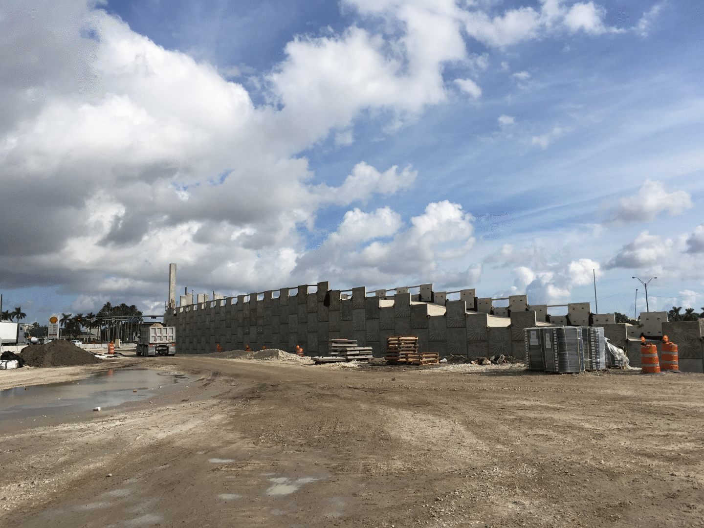 Construction of the new flyover ramp to westbound SR 836 from NW 12th  Street is now underway and the structure is beginning to take shape.